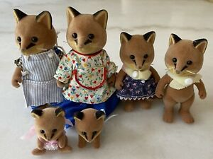Calico Critters Sylvanian Figures Fox Family Set of 6 Clothing Included Retired