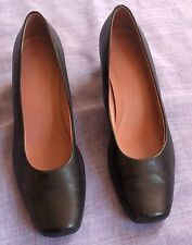 CLARKS Black Leather Court Shoes - UK8 - Medium Heel