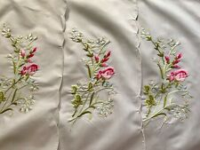 "1950's Gorgeous Roses Embroidery Four Placemats(19""x13 4;) & Four Napkins 18""Sq"