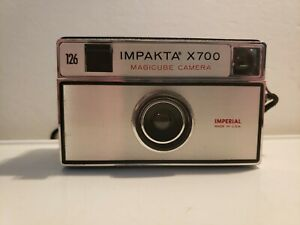 Vintage 126 IMPERIAL IMPAKTA X700 Magiccube Camera USA