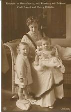 Foto AK Herzogin von Braunschweig und Lüneburg mit Söhnen E. August u. G Wilhelm
