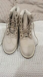 Timerland Boots Size 7