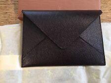 Louis Vuitton Taiga Passport Case in Acajou - BRAND NEW IN LV BOX.