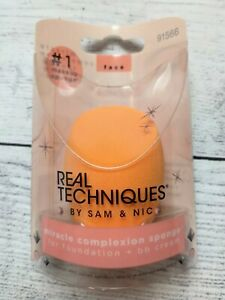 Real Techniques by Sam & Nic Miracle Complexion Beauty Sponge Makeup Blender