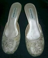 Steve Madden Size 7.5 Ivory Leather Embroidered Closed Toe Slip On Pump/Heels