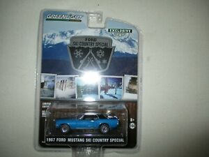 MINIATURE 1/64  3 INCHIES FORD MUSTANG SKI COUNTRY SPECIAL 1967