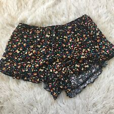 heart & hips floral ruffle black Cloth shorts Women's Size Small