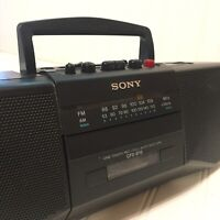 Sony CFS-B15 Vintage AM/FM Radio/Cassette Recorder Portable Boom-Box TESTED EUC