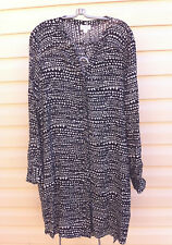 STYLISH WITCHERY BLACK/WHITE LONG SLEEVE STRAIGHT DRESS SIZE: 16 NEAR NEW