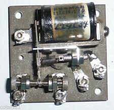 Relais 1RT 4 volts à vis micrométrique Kurman WWII sur base en pierre aggloméré