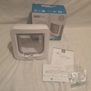 SureFlap SUR001 Microchip Cat Flap, Cat Door - White.