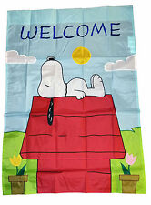 "PEANUTS SNOOPY APPLIQUE LAYING ON DOGHOUSE FLAG~28""x40""~NEW~SO CUTE!!"