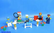 lego city grand ensemble de figurines avec Station d'ESSENCE BANQUE FLEURS ET