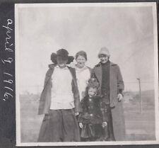 VINTAGE 1916 PHOTOGRAPH LA GRANDE OREGON LOCAL GIRLS POSE FASHION OF ERA PHOTO