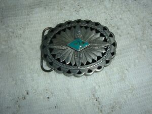 """BLACK AND GRAY FEATHER DESIGN+ OVAL  WESTERN BELT BUCKLE 3 1/2"""" X 2 1/2"""" USED"""