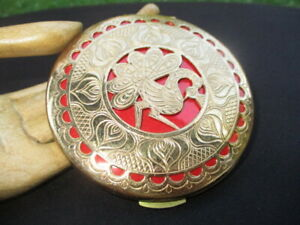 VINTAGE POWDER COMPACT FANCY pierced PEACOCK GOLD PLATED OVER RED ENAMEL LID