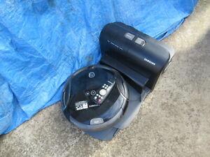 Samsung NaviBot Robotic Vacuum Cleaner SR8980