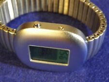 Retro-chic! Monarch space age green face digital watch w/ expansion band