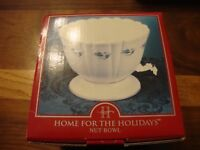 Home for the Holidays Decorative Holly Nut Bowl ~New In Box~ Christmas Gift  328