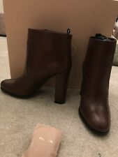 Prada Boots 100% authentic brand new brown heeled boots