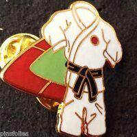Pin's Folies *** Enamel badge Judo  Limited edition 125 ex.Ceinture Noire