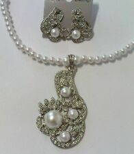 white pearl necklace & earing set with diamante &pearl pendant