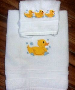 RUBBY DUCKY & BABY YELLOW DUCKYS EMBROIDERY HAND TOWEL & WASH  CLOTH SET