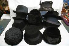Lot de chapeaux anciens époque 1940 1960 en feutrine, velours, synthétique....
