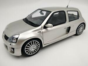 Superbe Renault Clio V6 RS 2 grise, éch.1:18 ,Longueur 20cm OTTO,neuve,numérotée