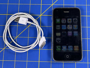 Apple iPhone 3G  MB702LL - 8GB Black AT&T  30 Pin Cord