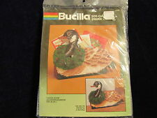 Bucilla Plastic Canvas Needlepoint Kit Christmas Goose w/ Wreath Card holder A65