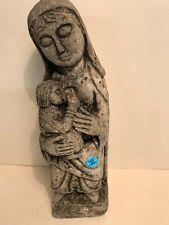 jolie vierge en pierre reconstituée- LOT 24