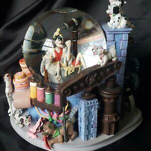 """Disney Cruella DeVille """"Cake Fiasco"""" Snow Globe 102 Dalmations Music Box"""