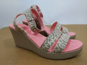 Crocs Leigh Graphic Wedge Ankle Strap Sandals Size 8 Beige Coral 15353