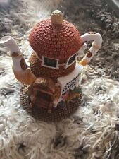 Hometown Teapot Cottages - Antiques collectible statue nice