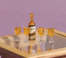 Pequeña botella de whisky y gafas, casa de muñecas en miniatura, mini pequeña