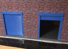 1/18 Scale Pedestrian Roller Shutter Door X2 For Diorama Open Or Closed
