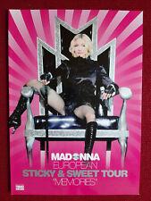 madonna livre madonna sticky and sweet tour . FRANCE.
