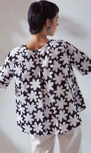 Kowtow cotton Journal top, size Large, NWT