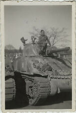 PHOTO ANCIENNE - VINTAGE SNAPSHOT - MILITAIRE CHAR CANON CHENILLE -MILITARY TANK
