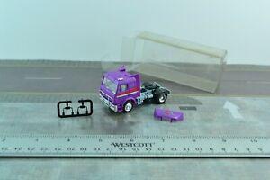 Herpa Mercedes SK Tractor Unit Truck Whiskas Cat Food Purple 1:87 Scale (HO851)