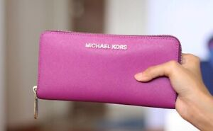 Michael Kors Textured Leather Continental Zip Wallet - EUC - paid $130