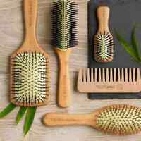 The Body Shop | HAIR BRUSHES & COMBS | Detangling, Bamboo, Oval, Curl | New