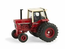 1/64 ERTL CASE IH INTERNATIONAL 1086 W/ DUALS 2015 NATIONAL FARM TOY MUESUM