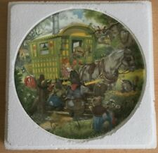 """WEDGWOOD ERIC KINCAID WIND IN THE WILLOWS Gypsy Caravan 8"""" China PLATE"""