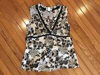 White House Black Market Top Sleeveless V Neck Blouse Silk / Rayon Size M