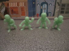 LOT OF GLOW IN THE DARK MR MUSCLE LIKE WRESTLING  ACTION FIGURES 2