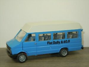 Fiat Iveco Daily A40.8 - Old Cars Italy 1:43 *46818