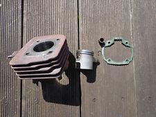 cylindre piston  SUZUKI AY50 ,
