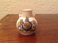 W H Goss Model Of Vase At Botanic Gardens - Coat Of Arms King Edward V11